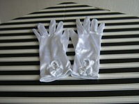  Wedding gloves white